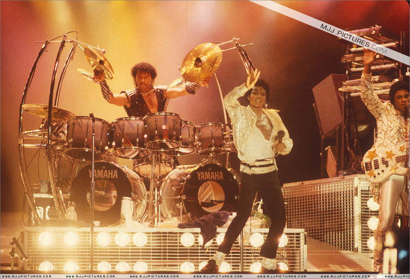 Victory Tour 03421