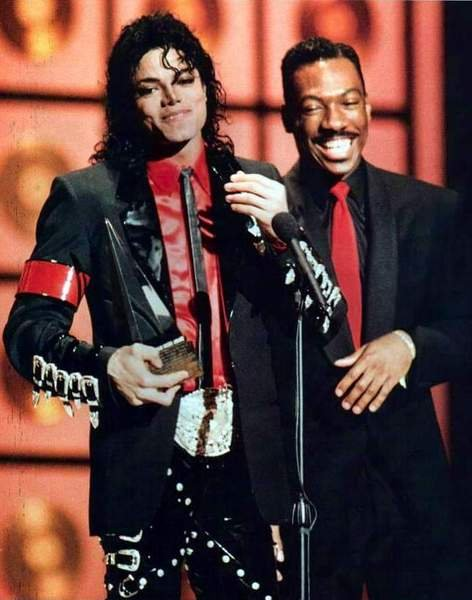 1989- The 16th American Music Awards 03426