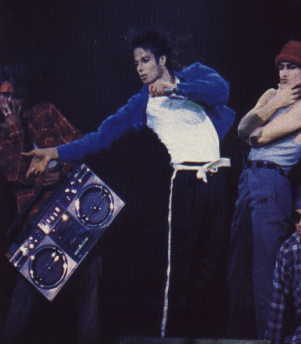 Bad World Tour Onstage- The Way You Make Me Feel 03428