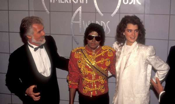 1984- The 11th American Music Awards 03915