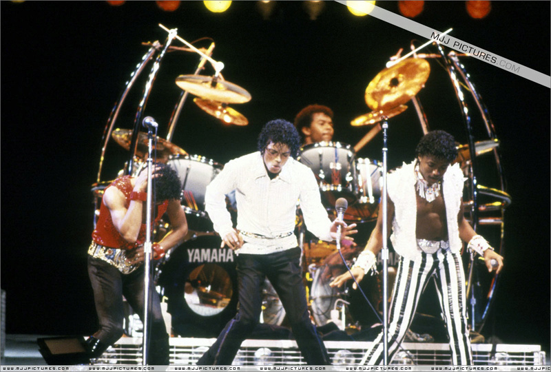 Victory Tour 04817