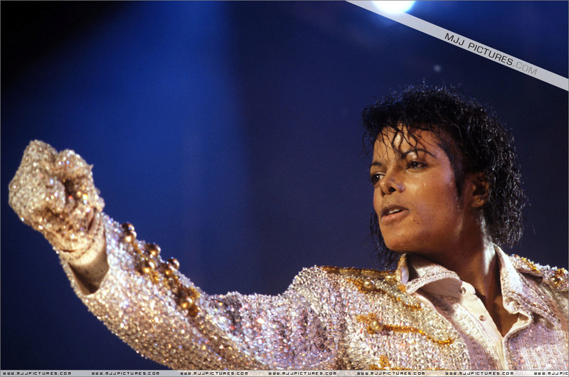 Victory Tour 05316