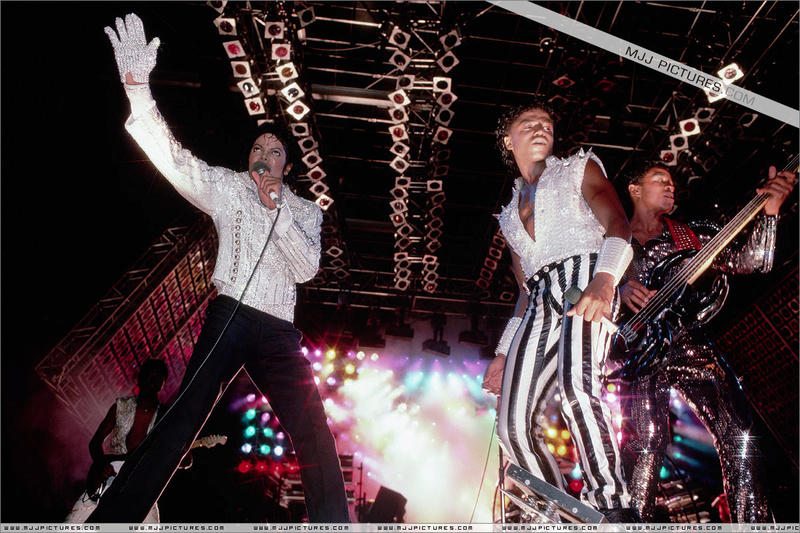 Victory Tour 06913