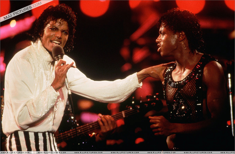 Victory Tour 07713