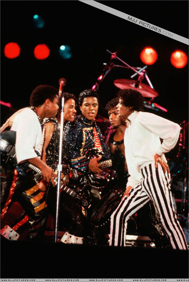 Victory Tour 09010
