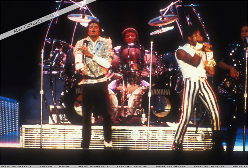 Victory Tour 11810