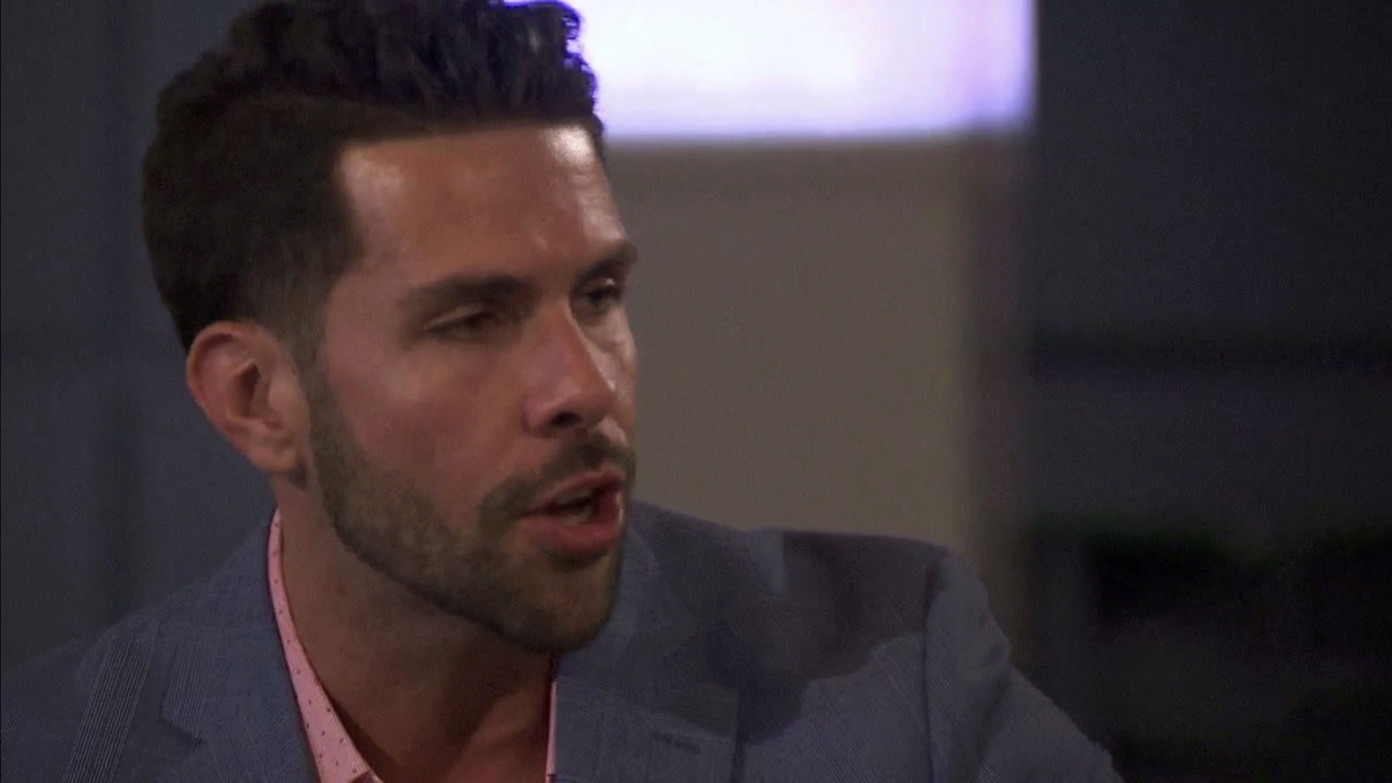 Bachelorette 14 - Becca Kufrin - ScreenCaps - NO Discussion - *Sleuthing Spoilers* 1bd54b10