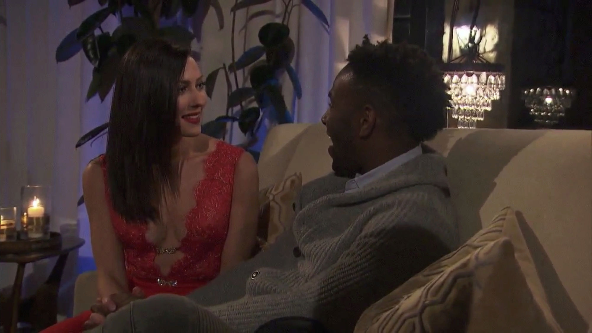 Bachelorette 14 - Becca Kufrin - ScreenCaps - NO Discussion - *Sleuthing Spoilers* 2115d710
