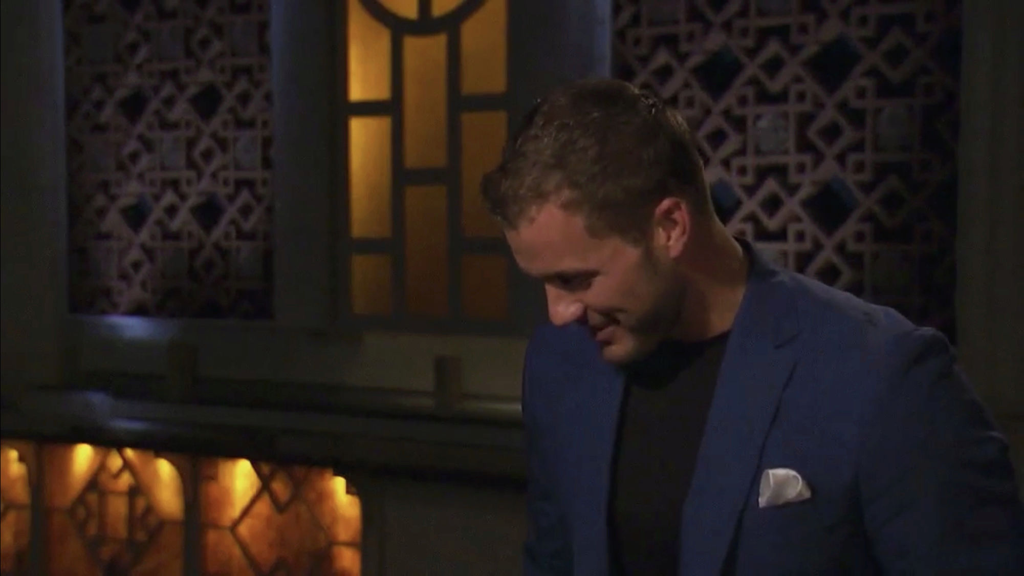 Bachelorette 14 - Becca Kufrin - ScreenCaps - NO Discussion - *Sleuthing Spoilers* 36ad4810