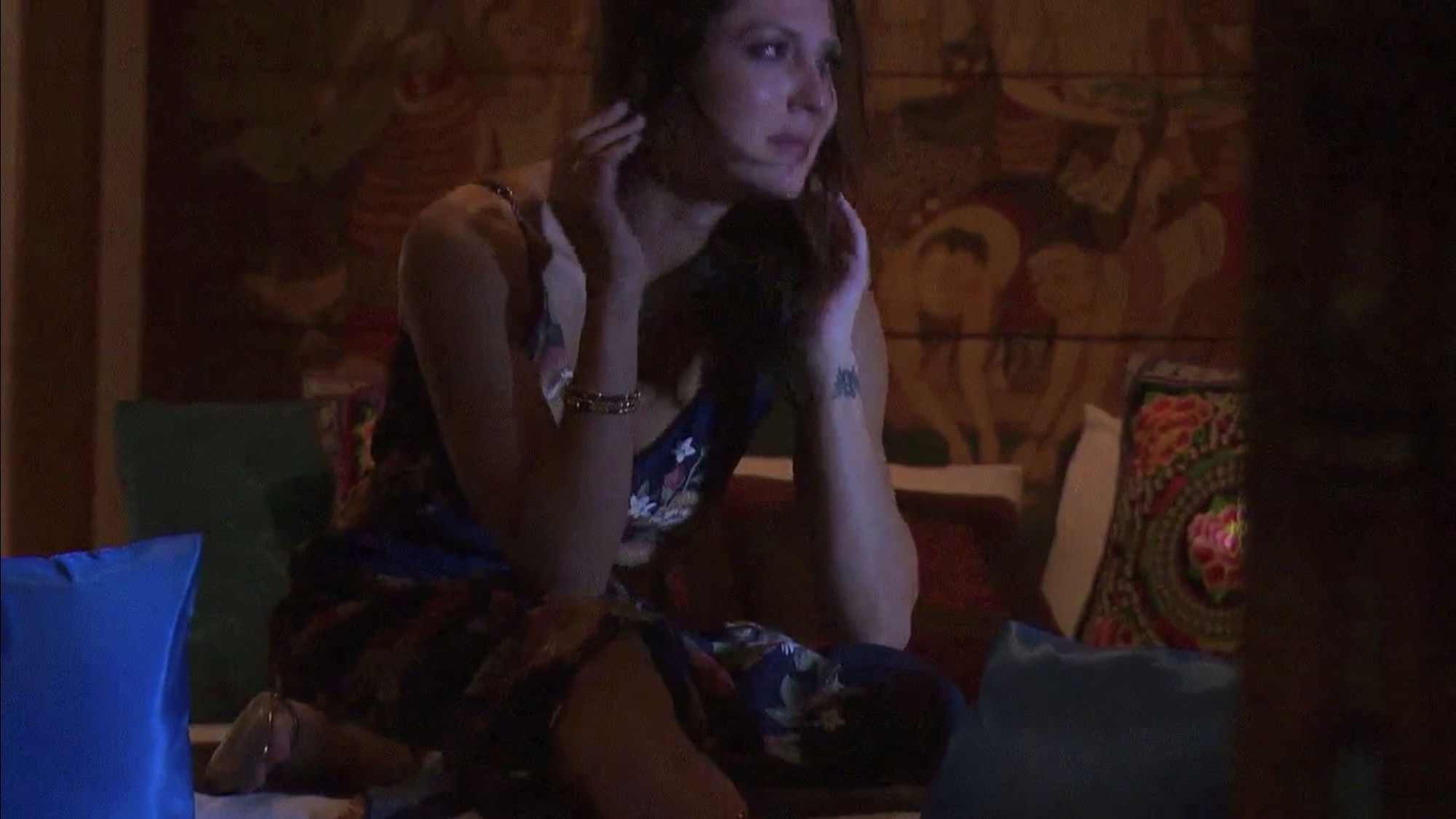 Bachelorette 14 - Becca Kufrin - ScreenCaps - NO Discussion - *Sleuthing Spoilers* 5ba01f10