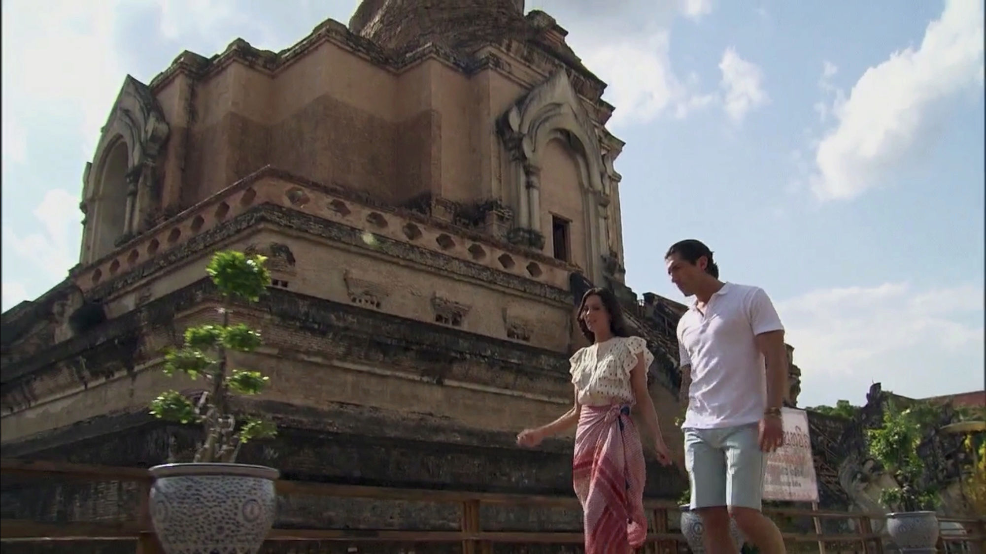Bachelorette 14 - Becca Kufrin - ScreenCaps - NO Discussion - *Sleuthing Spoilers* 877acb10