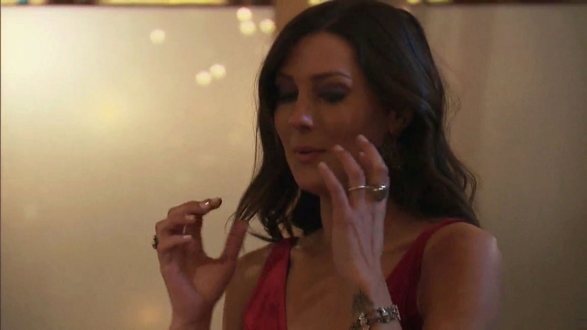Bachelorette 14 - Becca Kufrin - ScreenCaps - NO Discussion - *Sleuthing Spoilers* A4d78c10