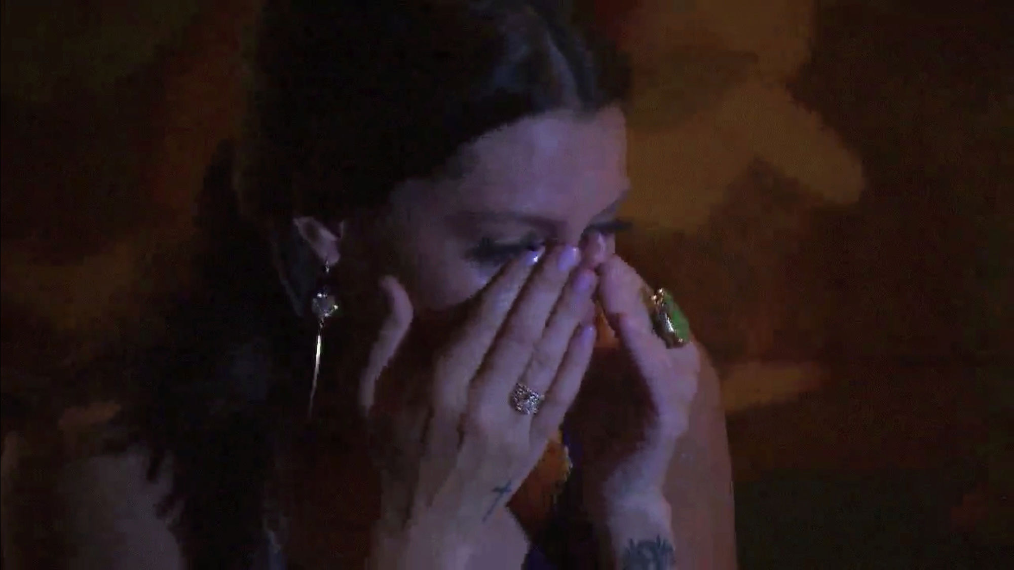 Bachelorette 14 - Becca Kufrin - ScreenCaps - NO Discussion - *Sleuthing Spoilers* D6b57510