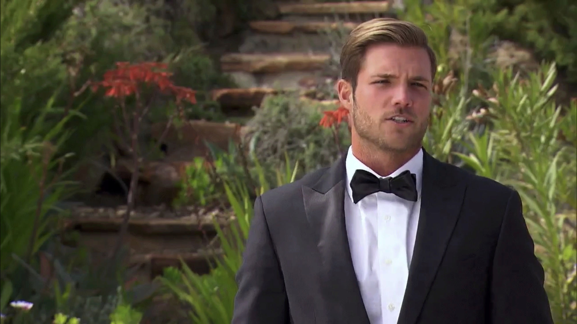 Bachelorette 14 - Becca Kufrin - ScreenCaps - NO Discussion - *Sleuthing Spoilers* D9350910