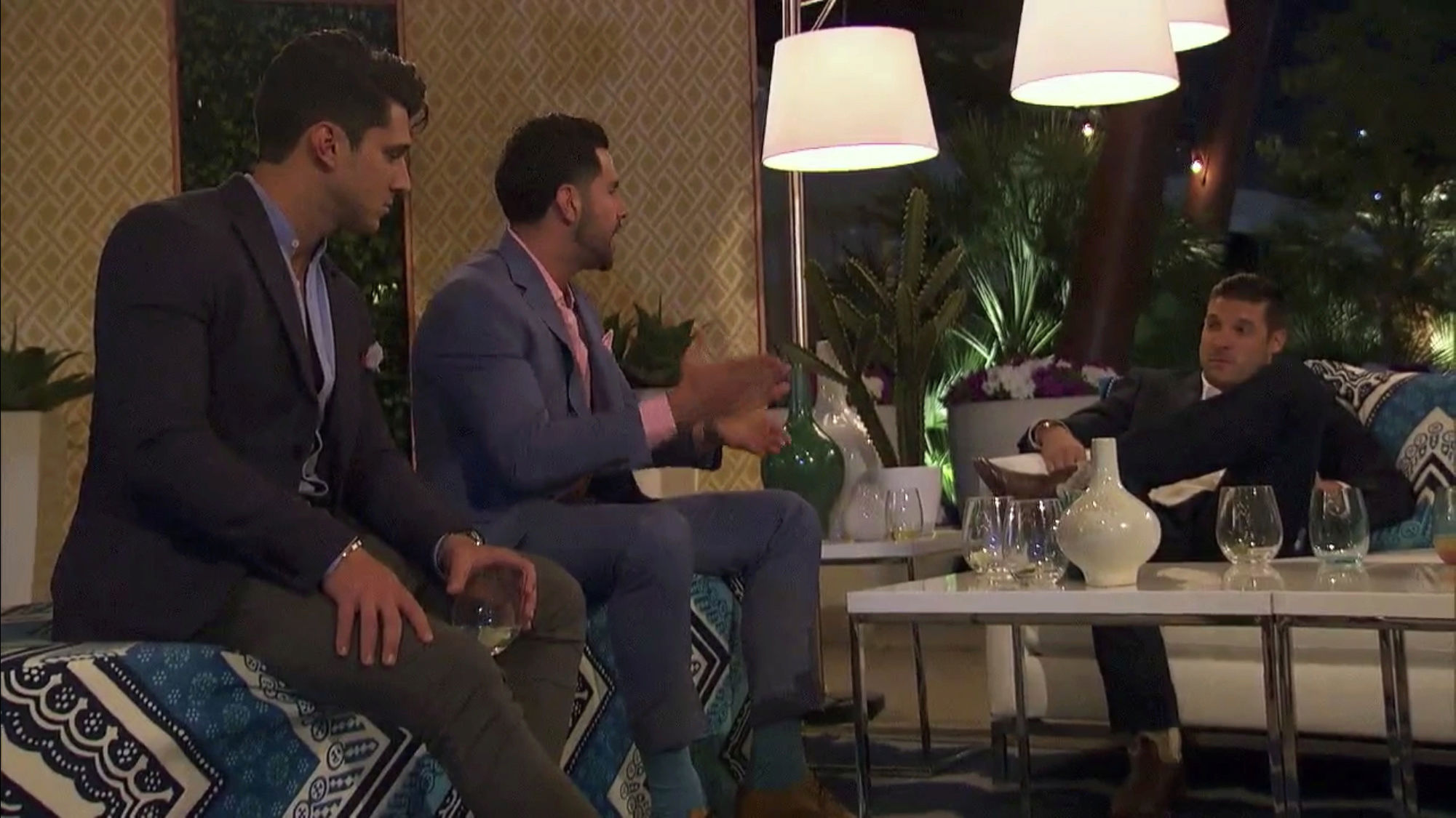 Bachelorette 14 - Becca Kufrin - ScreenCaps - NO Discussion - *Sleuthing Spoilers* F8416410