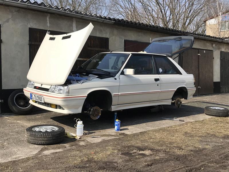 R11 Turbo ph2 1988 white ....23.000km C5815f10