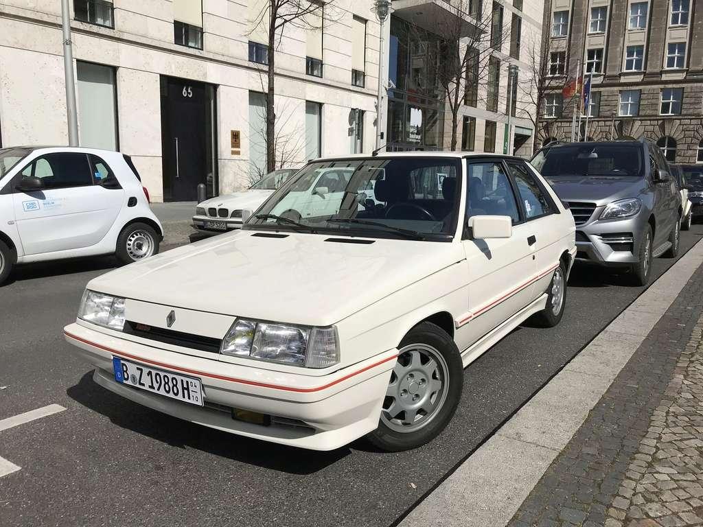 R11 Turbo ph2 1988 white ....23.000km De4fb010