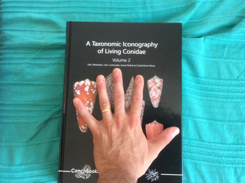 Nouveau livre sur les cônes : A TAXONOMIC ICONOGRAPHY OF LIVING CONIDAE MLRR 45d95c10