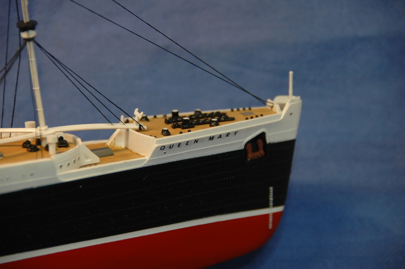 Queen Mary I (1/570) REVELL Dsc_7810