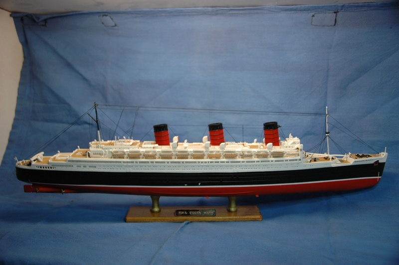 Queen Mary I (1/570) REVELL Dsc_7811
