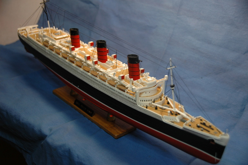 Queen Mary I (1/570) REVELL Dsc_7812