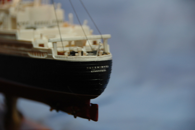 Queen Mary I (1/570) REVELL Dsc_7813