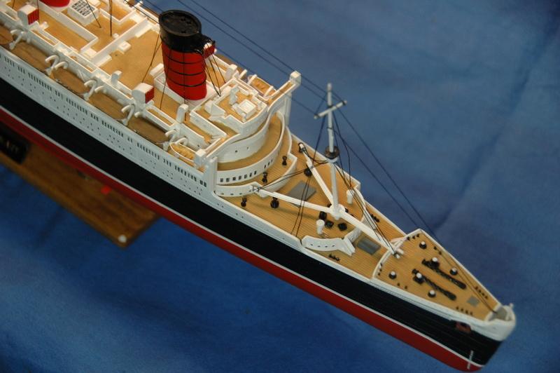 Queen Mary I (1/570) REVELL Dsc_7814
