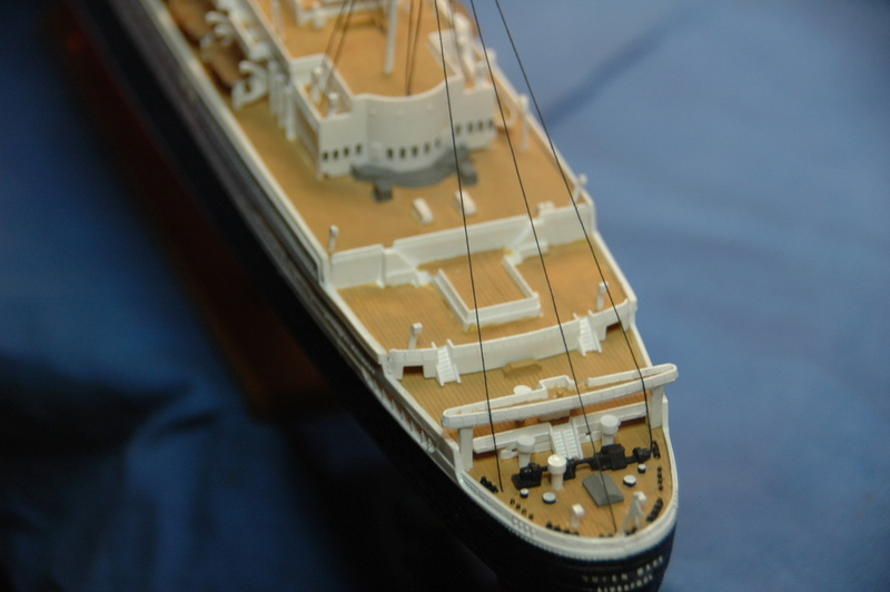 Queen Mary I (1/570) REVELL Dsc_7815