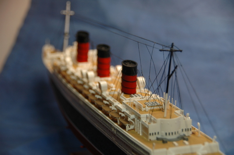 Queen Mary I (1/570) REVELL Dsc_7816