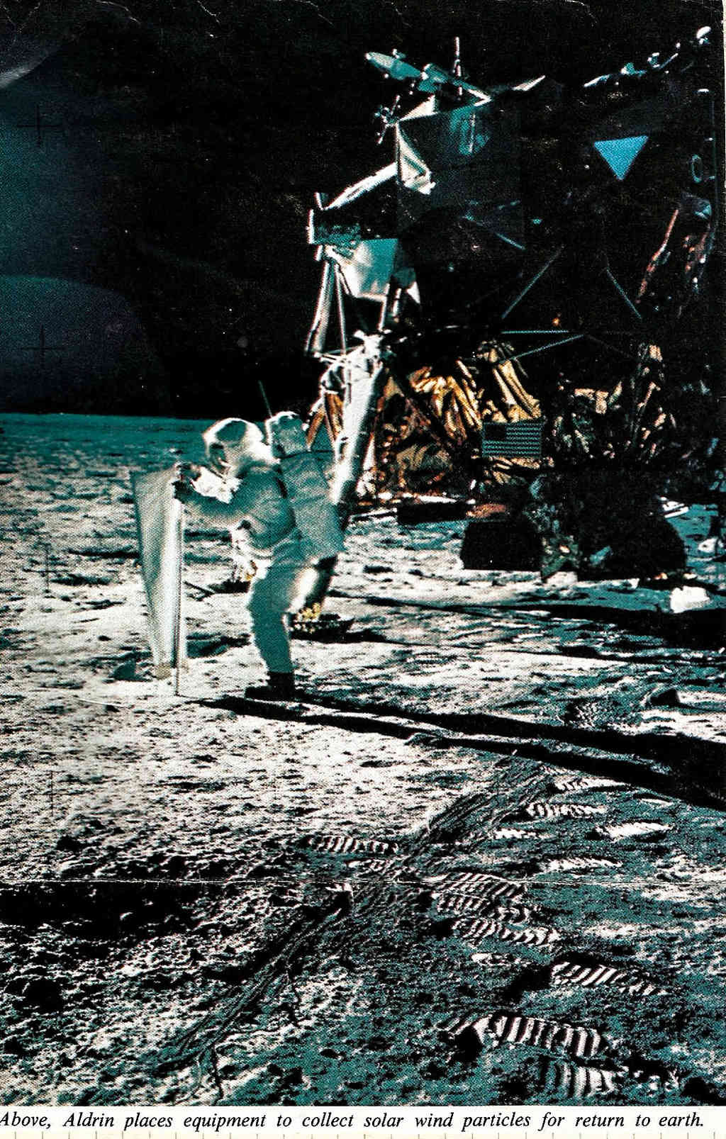 Apollo 11 vu par google earth - Page 2 411