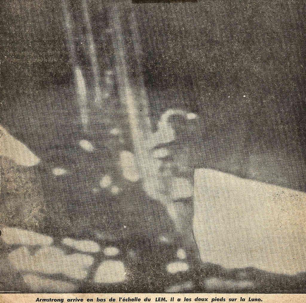Apollo 11 vu par google earth - Page 2 810
