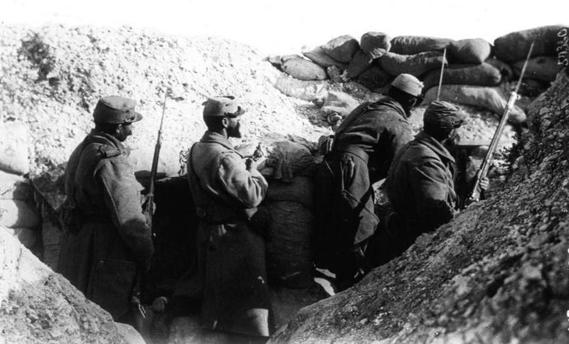 [Commémoration du Centenaire de la Première Guerre -Mondiale] - Page 4 Dans_u12