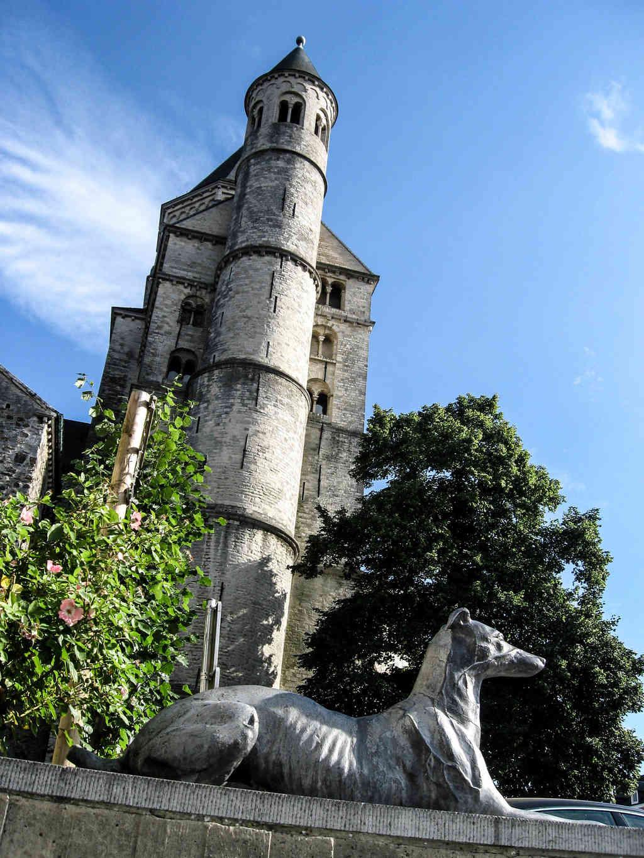 Collégiale Sainte-Gertrude de Nivelles en Belgique. Img_3611