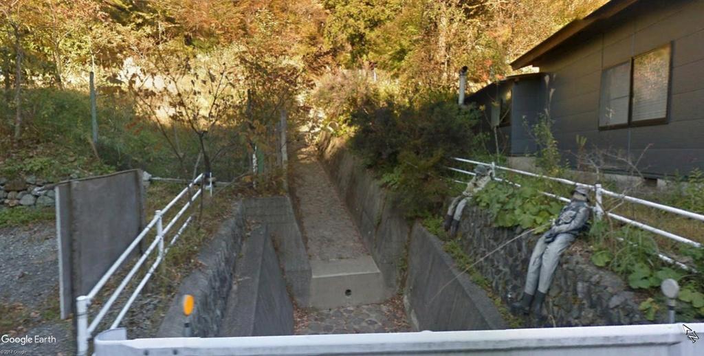 STREET VIEW : Nagoro, Japon. Le village des poupées de chiffon. Poupyc10