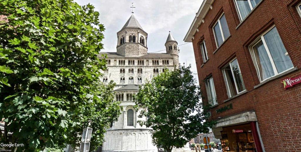 Collégiale Sainte-Gertrude de Nivelles en Belgique. Sainte11