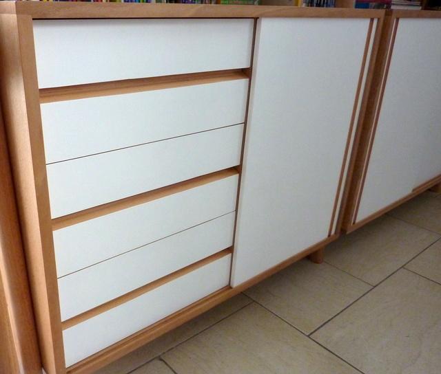 Ensemble bureau/meuble bas/bibliothèque - Page 8 P1110114