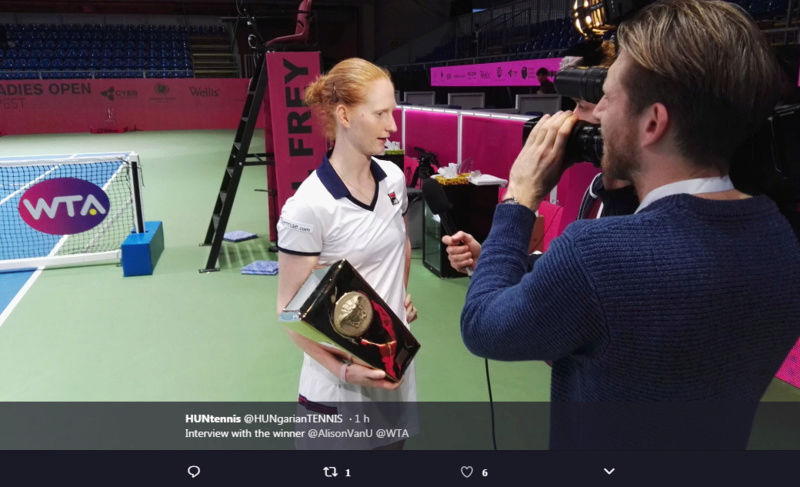 WTA BUDAPEST 2018 - Page 3 Untit494