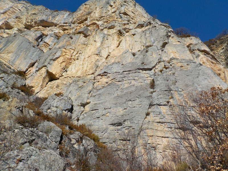 Ouverture d'une grande voie dans les gorges de Saucha Negre Dscn0211