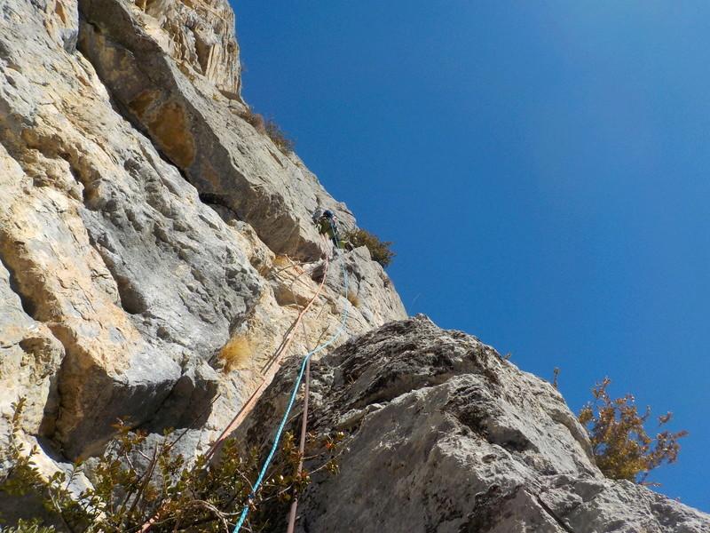 Ouverture d'une grande voie dans les gorges de Saucha Negre Dscn0316
