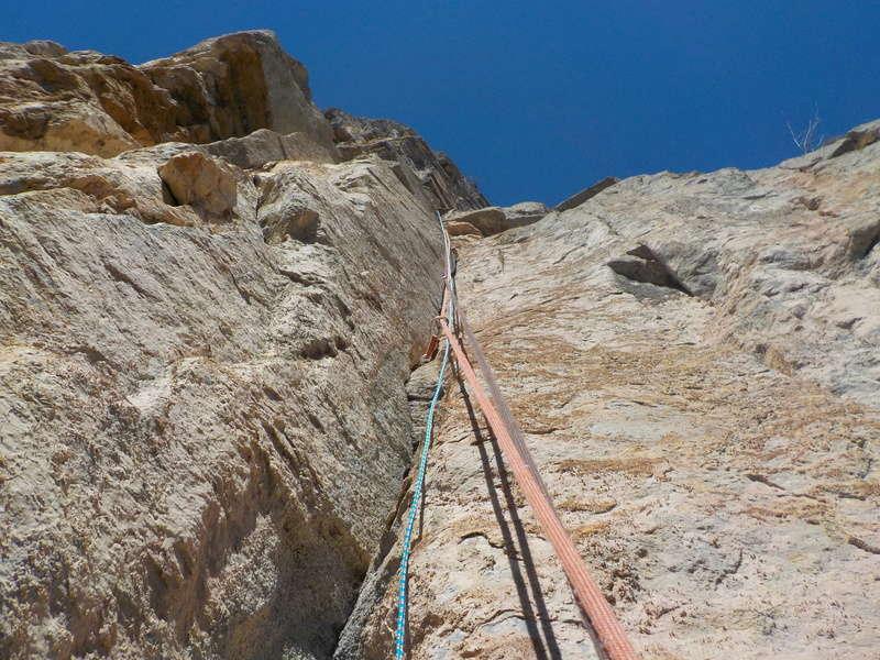 Ouverture d'une grande voie dans les gorges de Saucha Negre Dscn0317