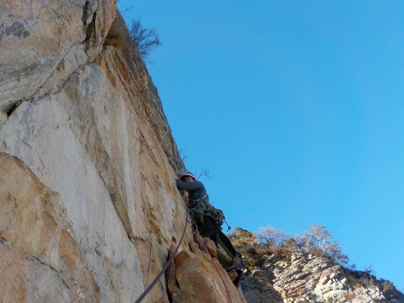 Ouverture d'une grande voie dans les gorges de Saucha Negre Dscn0412