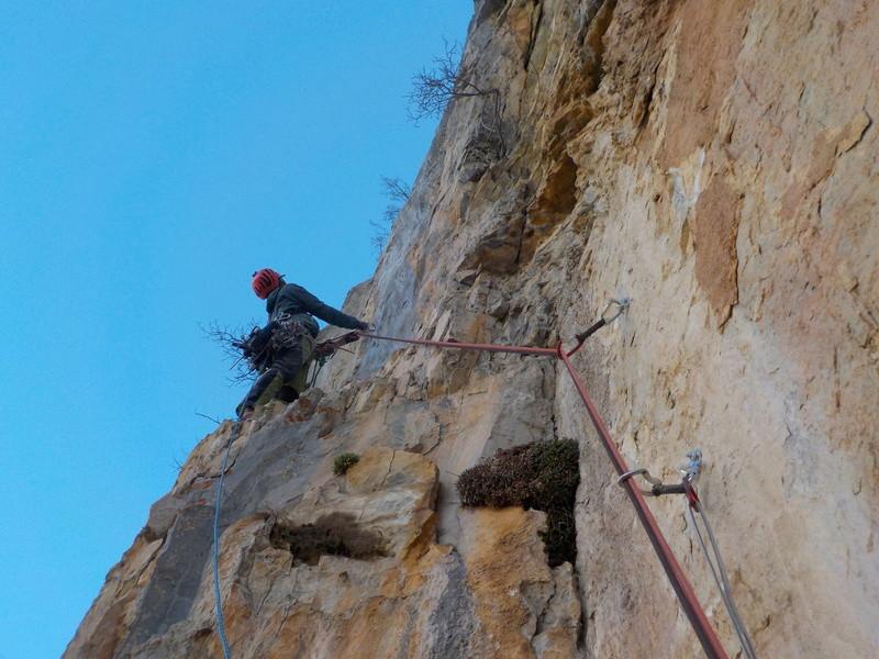 Ouverture d'une grande voie dans les gorges de Saucha Negre Dscn0414
