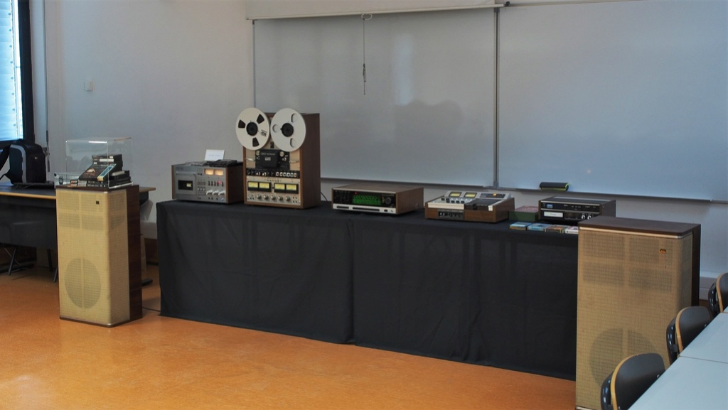Exposição Audio vintage sala 12 P2031915