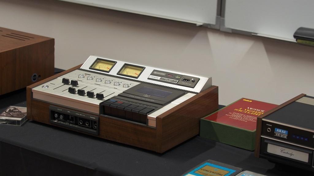 Exposição Audio vintage sala 12 P2032116