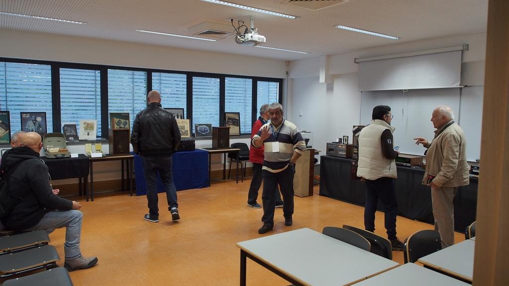 Exposição Audio vintage sala 12 P2032119