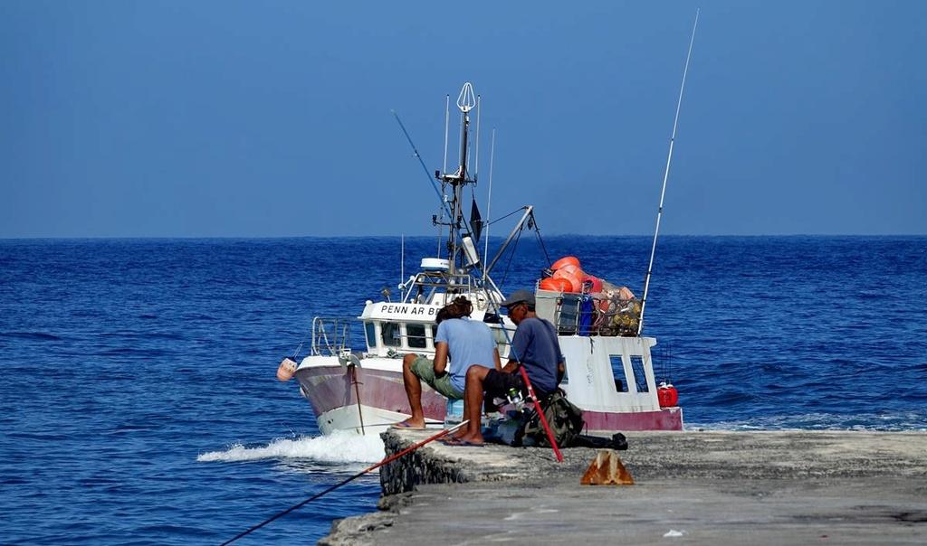 [VIE DES PORTS] Quelques bateaux de pêche (sur nos côtes Françaises) - Page 37 Le_po200