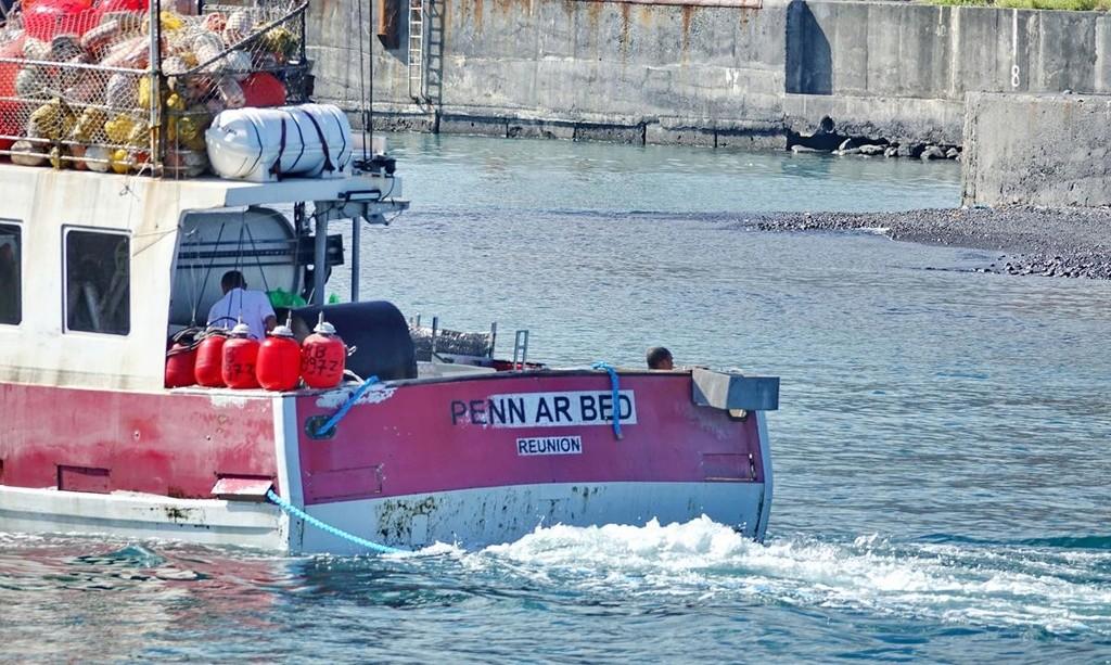 [VIE DES PORTS] Quelques bateaux de pêche (sur nos côtes Françaises) - Page 36 Le_po204