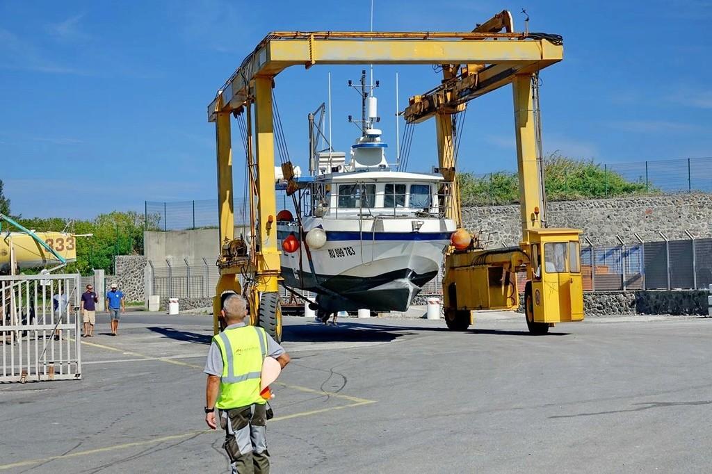 [VIE DES PORTS] Quelques bateaux de pêche (sur nos côtes Françaises) - Page 37 Le_po411