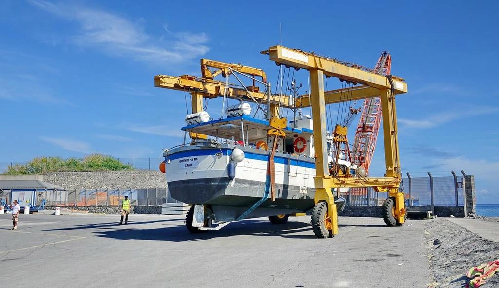[VIE DES PORTS] Quelques bateaux de pêche (sur nos côtes Françaises) - Page 37 Le_po413