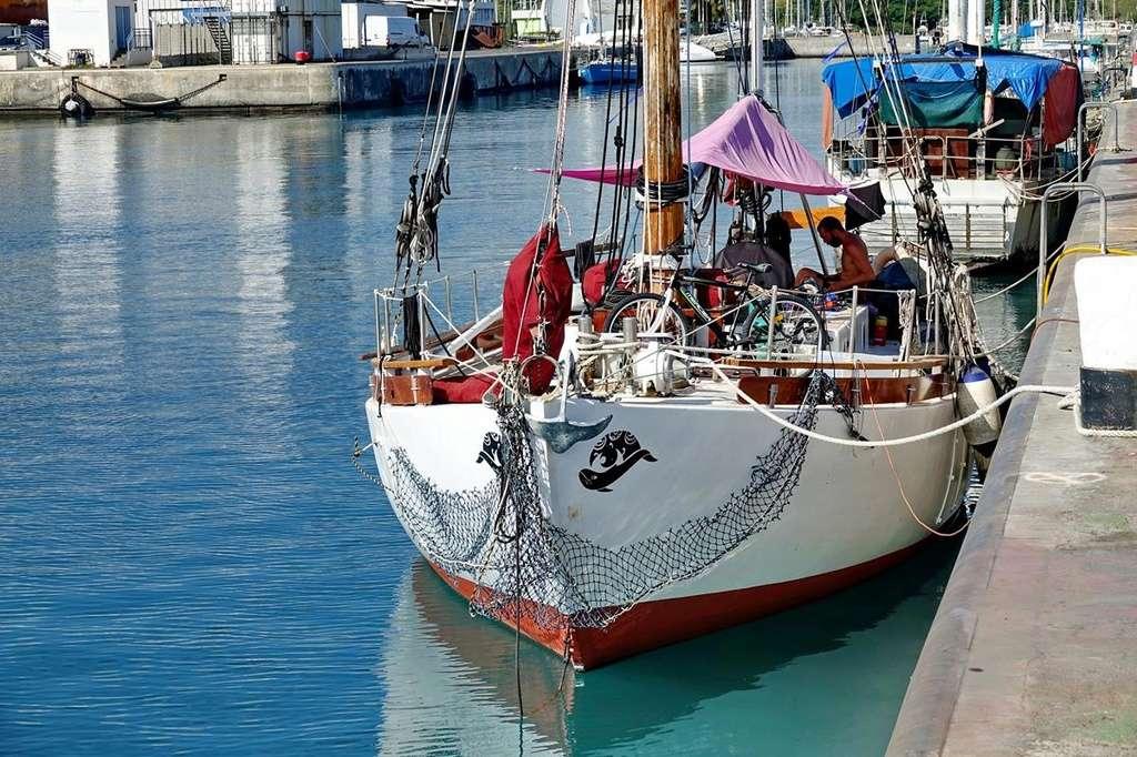 [Vie des ports] Les ports de la Réunion - Page 12 Le_po512